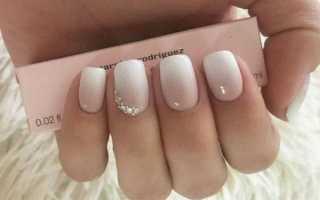 Белое омбре на ногтях