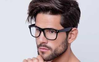 Торчат волосы по бокам мужские