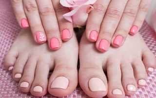 Педикюр розового цвета
