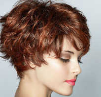Короткие женские стрижки на волнистые волосы