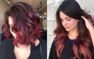 Красные волосы с белыми прядями