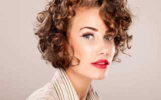 Короткая стрижка на кудрявые волосы фото