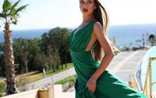Аксессуары к темно зеленому платью