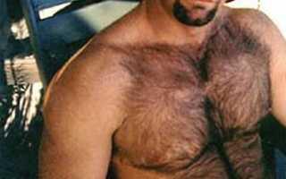Мужской волосатый сосок