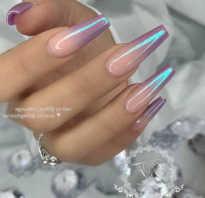 Белая втирка на ногтях