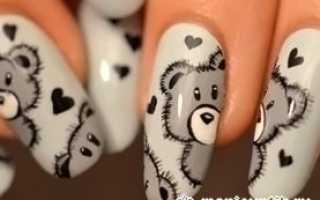 Белый медведь на ногтях
